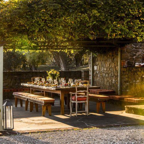 servizi foto video di case immobiliari ristoranti hotels barche gazebo con tavola cena tramonto