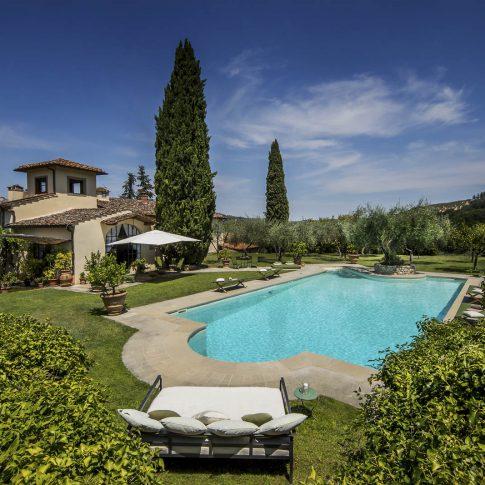 servizi foto video di case immobiliari ristoranti hotels barche villa piscina estate