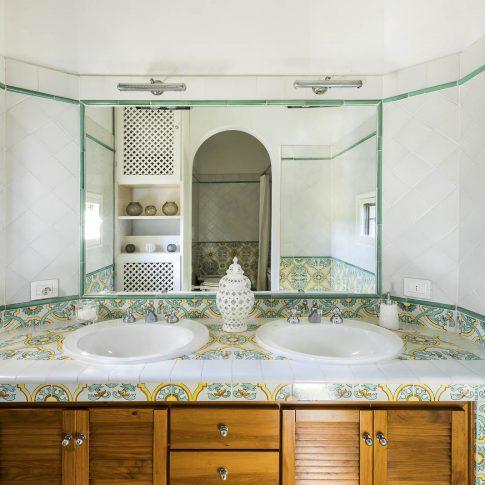 servizi foto video di case immobiliari ristoranti hotels barche bagno doppio servizio piastrelle ceramica