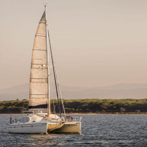 catamarano tramonto mare spacegraphs costa pineta