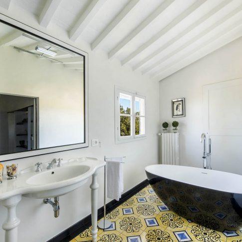 servizi foto video di case immobiliari ristoranti hotels barche bagno di stile