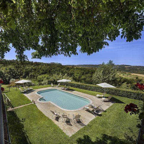 servizi foto video di case immobiliari ristoranti hotels barche giardino com fiori e piscina