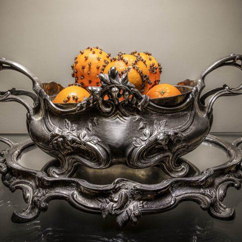fotografia food ristoranti piatti cibo arance in vaso argento