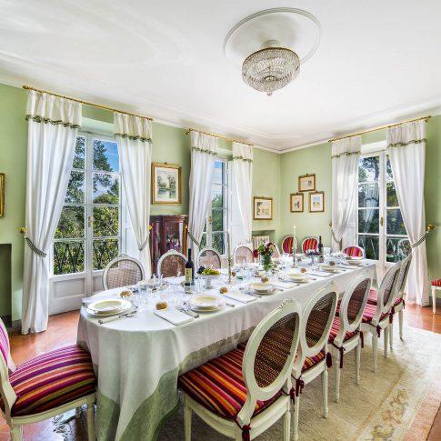 servizi foto video di case immobiliari ristoranti hotels barche sala pranzo lusso